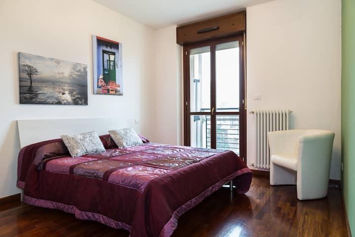 Cosy modern apartment Milano close to Rho Fiera