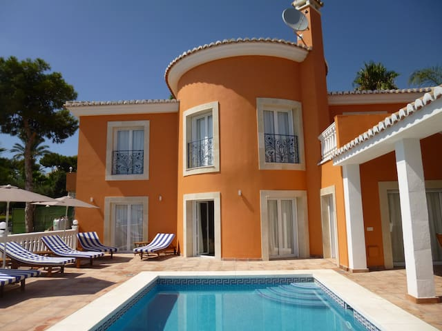 Panoramic sea view 4Bed Villa with private pool
