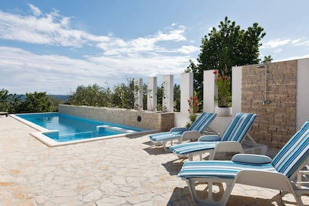 Villa V&V with pool near Trogir - Villa