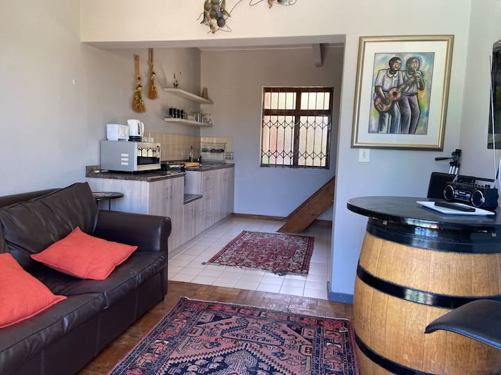 LIVING IN CAMPS BAY THE CHEVIOTS APARTMENT