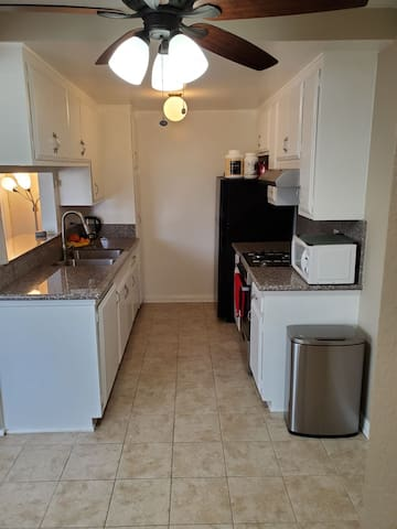 Perfect Burbank Apartment Comfortable Stay