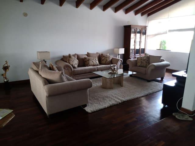Casa Blanca San Borja