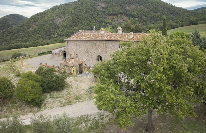 Villa Le Capanne - Country House with swimming pool near San Gimignano, Tuscany