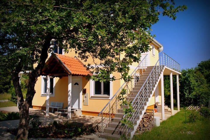 Nice apart at nature place - Herceg Novi - Apartment