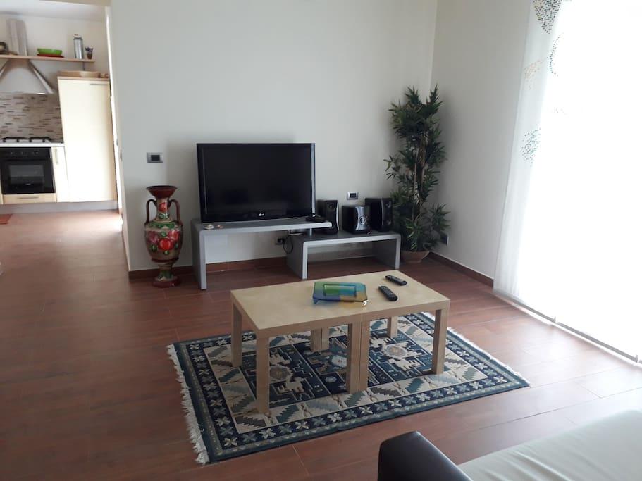 Salone con tv