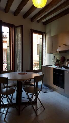 2Typical view on autentic Venice wf - Venezia - Apartment