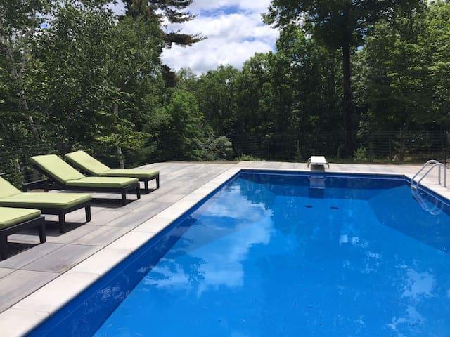 Amazing Mid Century Home W/pool