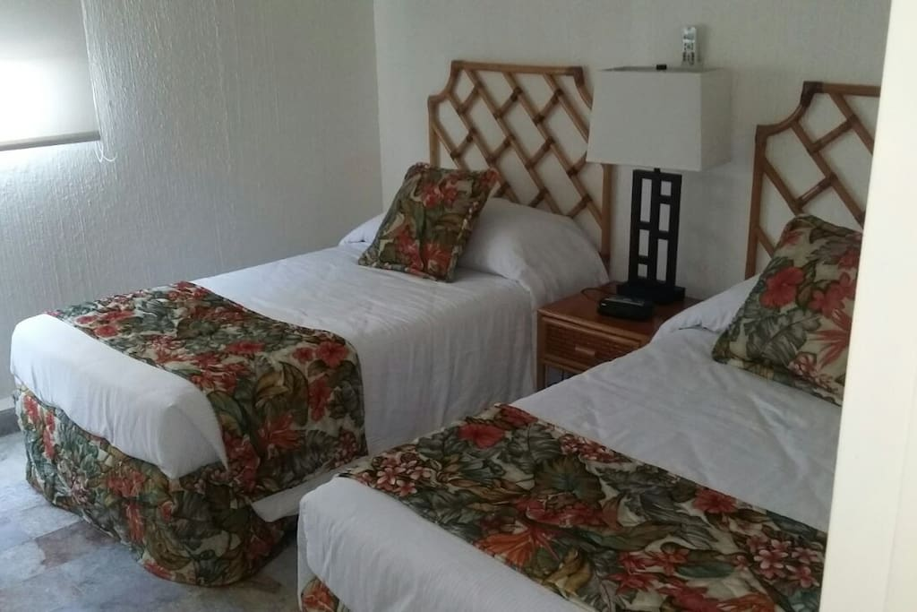 habitación 2 dos camas individuales.