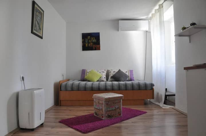 One bedroom apartment with air-conditioning Buzet, Central Istria - Središnja Istra (A-17333-a)