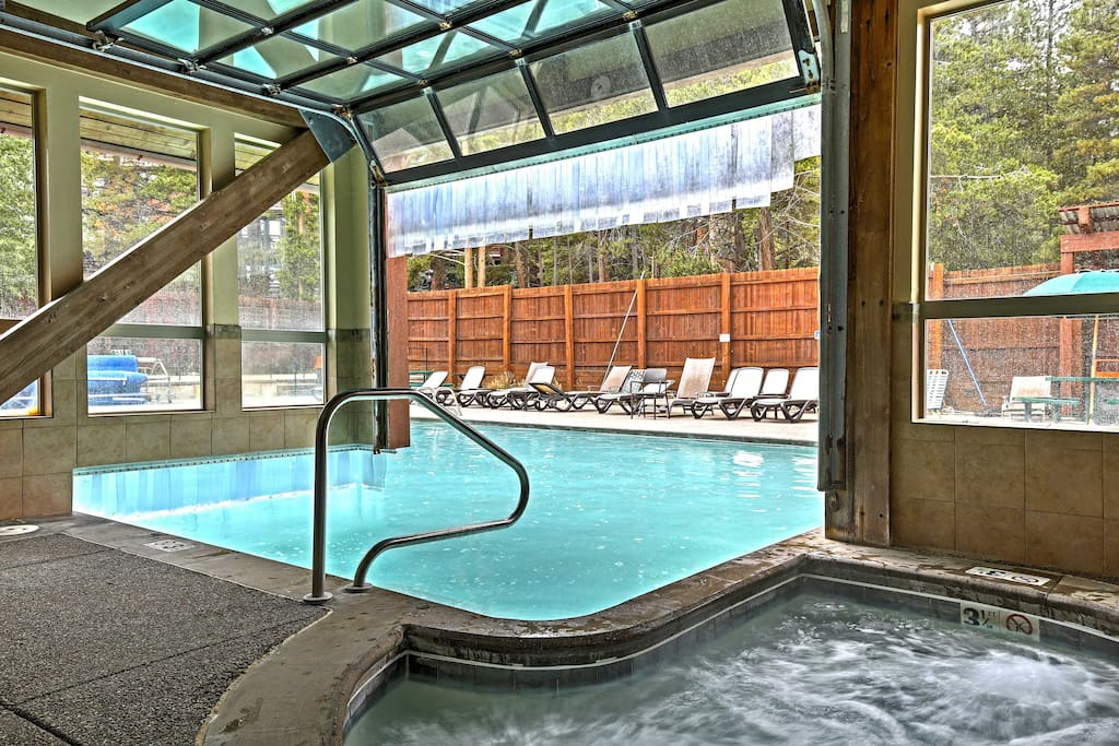 You'll have access to 3 indoor hot tubs, as well as the community pool.