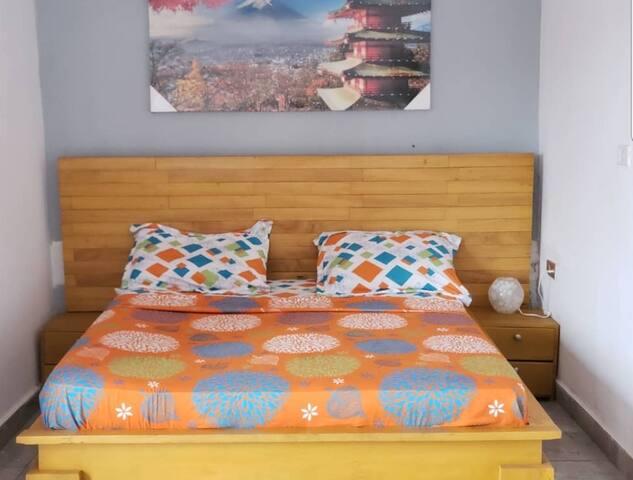 """La residence Stone anthony & Kyle Luxury : tous nos lits sont """"King_size"""", vous garantissent un repos confortable et réparateur. Sentez vous comme chez vous et profitez de ces vacances meritées.  Chambre climatisée."""