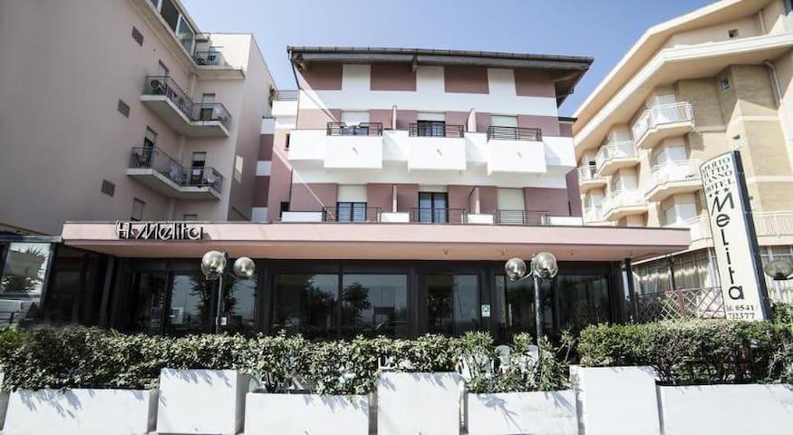 Camera in Hotel a Rimini fronte mare