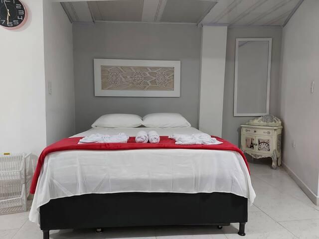 Cama doble, con cama adicional individual (litera)