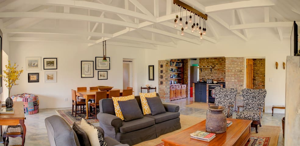 Camphor Tree Cottage - Wilderness - Huis