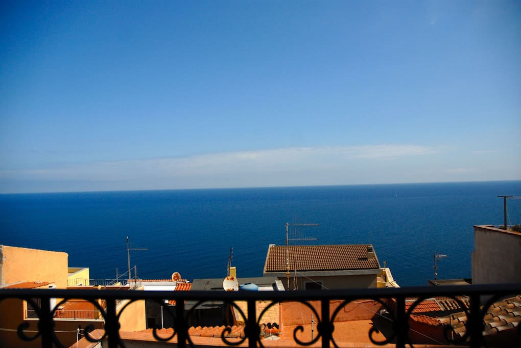 il mare visto dalla terrazza di Casa Finà