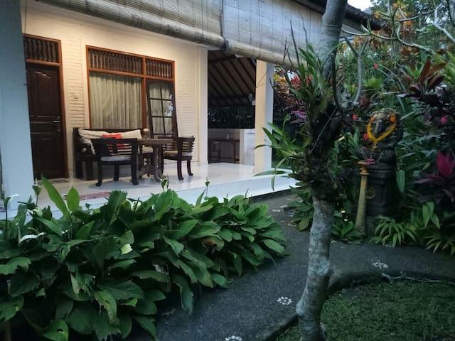Riadana house - garden retreat