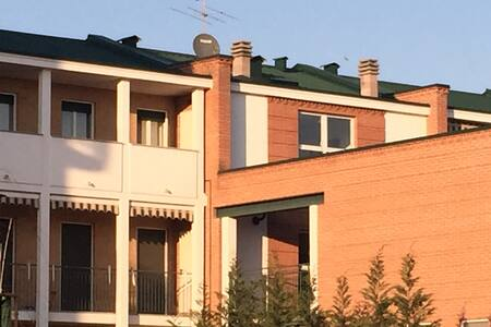 Per viaggiatori di lavoro o piacere a Novara - Pernate - Apartment