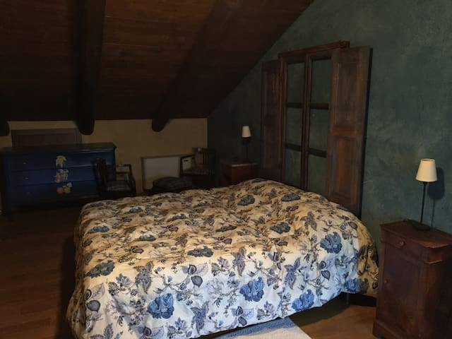 Osteria del Maiale Pezzato Camera 6 - Sinio - Bed & Breakfast
