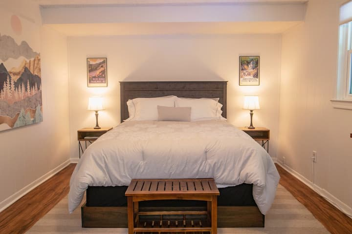 Newly Renovated Private Guest Suite in Cville