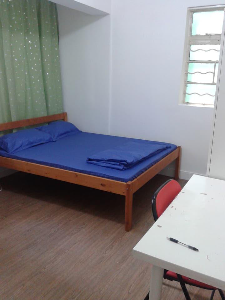 Big Double Room Near Lan Kwai Fong, Central - ML8a