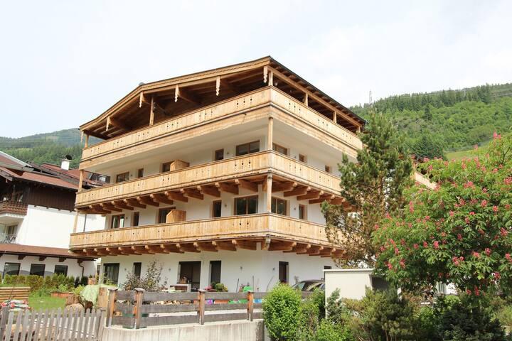 Luxueux appartement dans le centre de Gerlos, situé juste à côté de la remontée mécanique