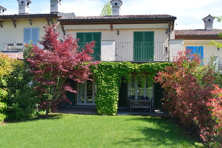 Golf house with garden - Bogogno - Apartment