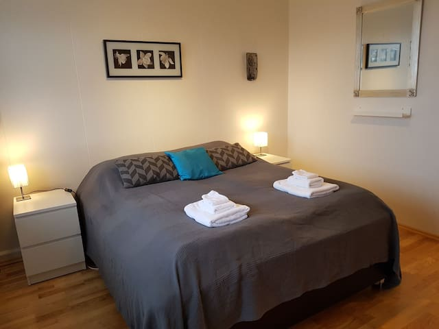 ★Great room in a home stay near the Golden Circle★