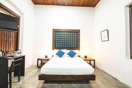Deluxe Room with Bed & Breakfast