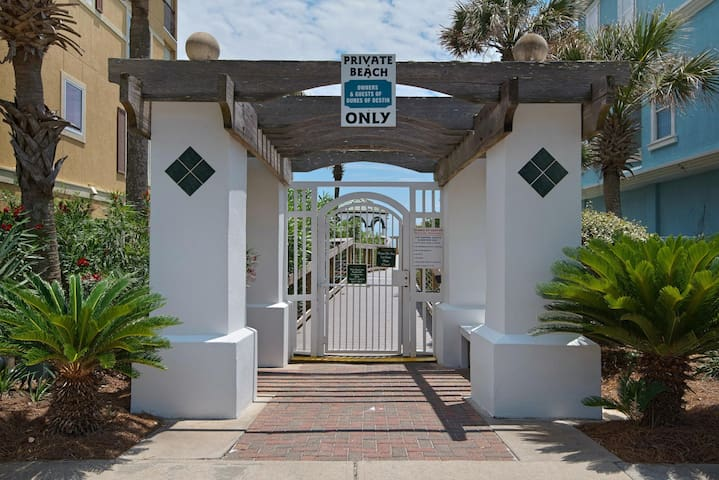 As a Guest at Mojo, you'll receive a code for private beach access in order to ensure your peaceful enjoyment of Destin's absolute best beach.  No crowds.  No parking problems.