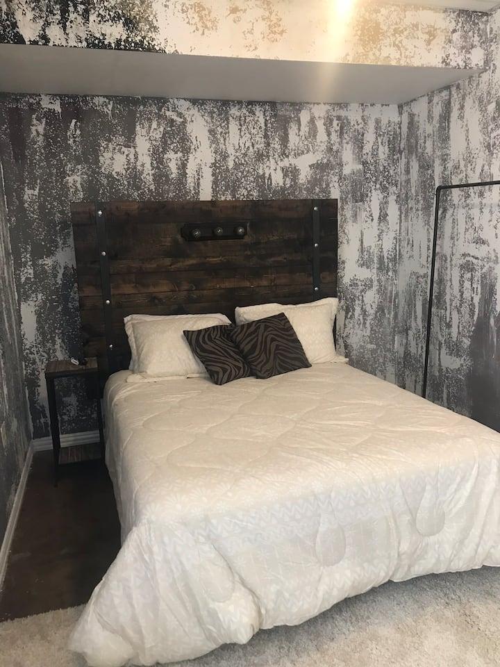 Gypsy House- Room 5