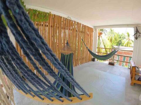 Triple bunk bed studio,breakfast,pool & beach!