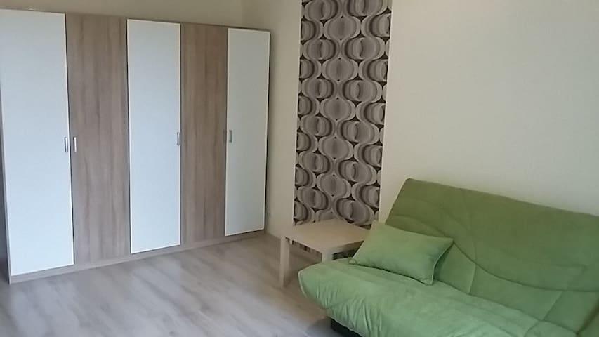 Fiatalos 2 szobás lakás kiadó - Pécs - Lägenhet