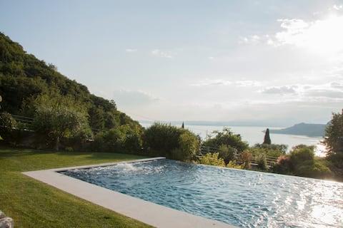Villa Silvale: apartamento exclusivo com piscina