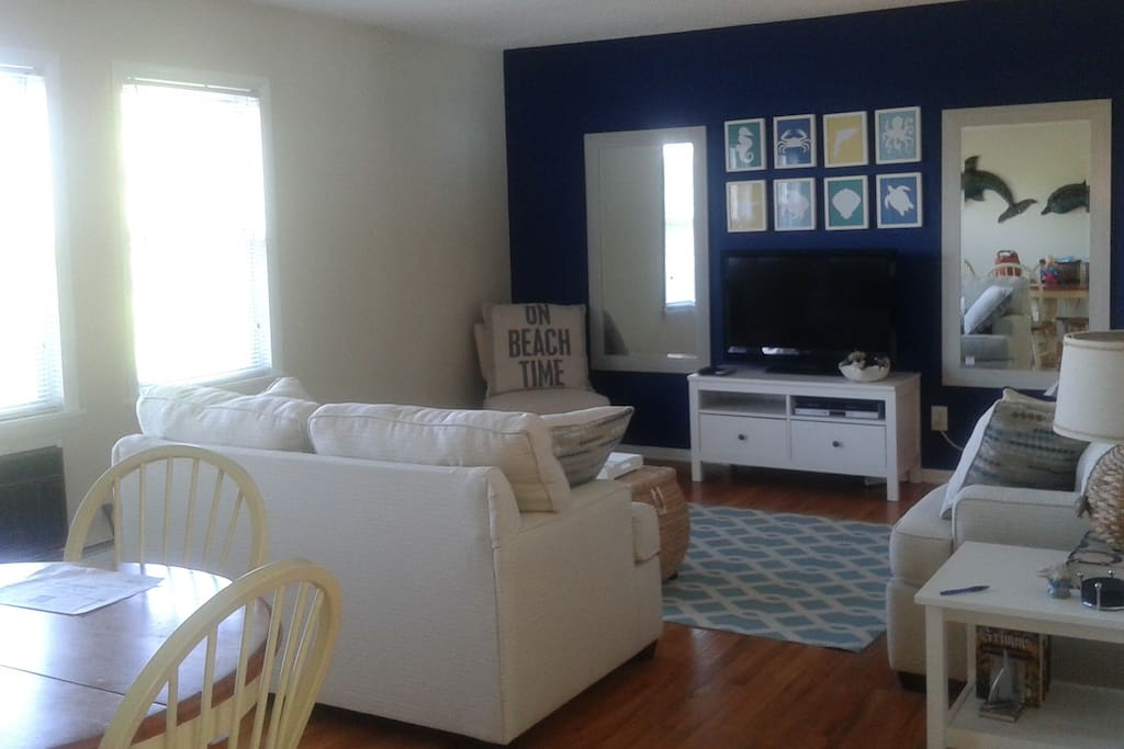 One Block To Beach Adorable Summer Rental Apartments