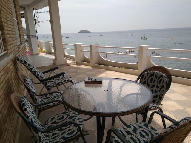 Casa de descanso frente al mar Mediterráneo.