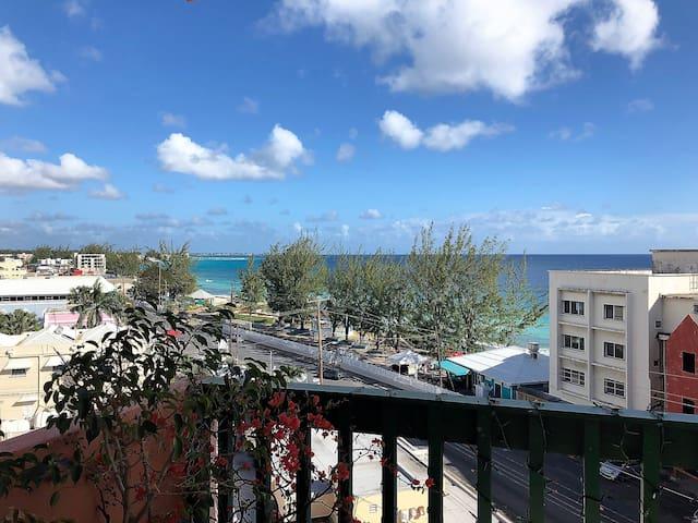 Opp Sea, Beach Boardwalk Hastings Towers 5B 2B/2B