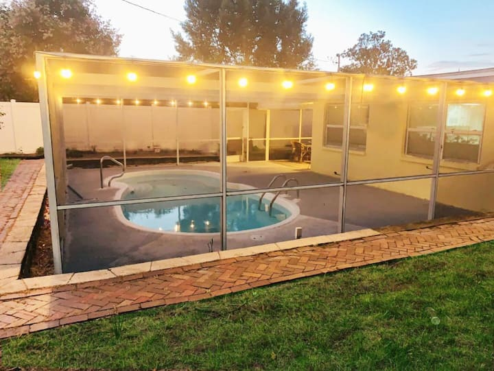 2/2-5 Miles from Beach-Heated Pool, Pet Friendly