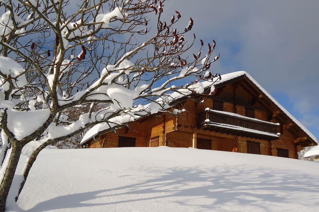 Le chalet, l'hiver à 1 km de la piste de ski de la Bonade