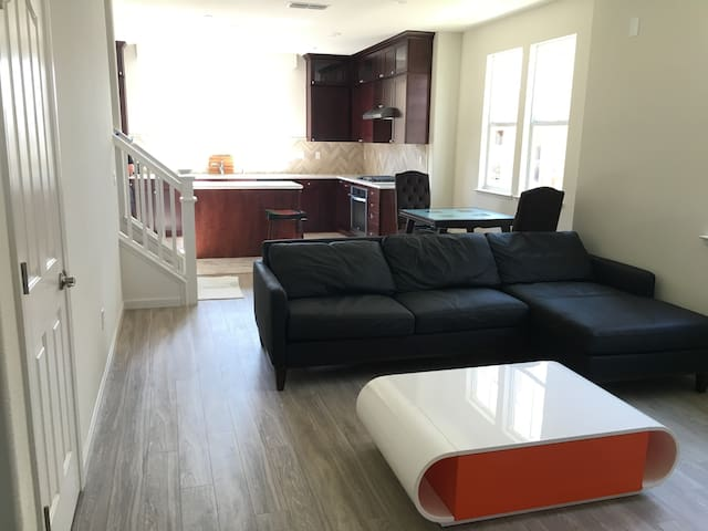 Brand New Inspirational Private Bathroom (套房) - Milpitas - Townhouse