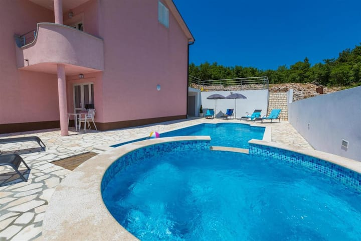 Modern apartment for 4-6 people-200m to the sea(2)