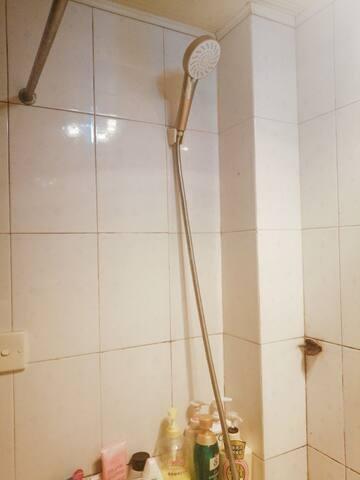洗澡的浴头