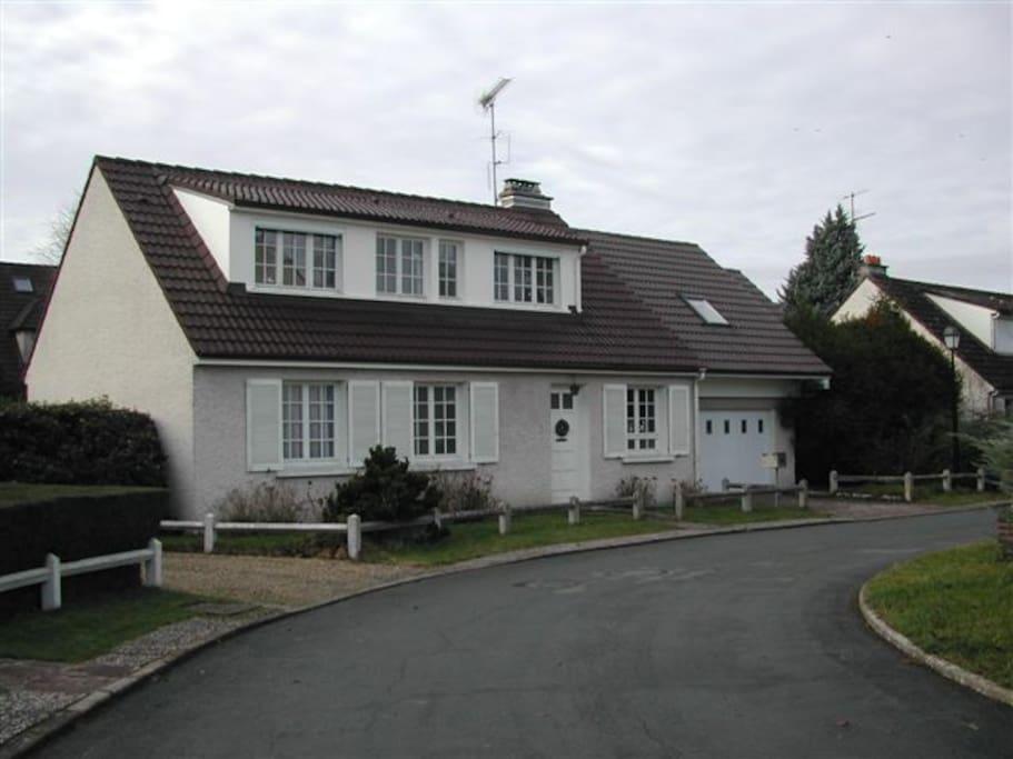 1 chambre en vall e de chevreuse maisons louer for Location garage cernay