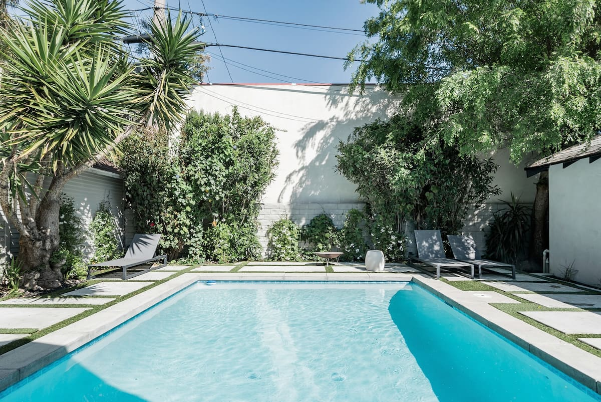 Modern Bungalow with a Pool in Larchmont Village