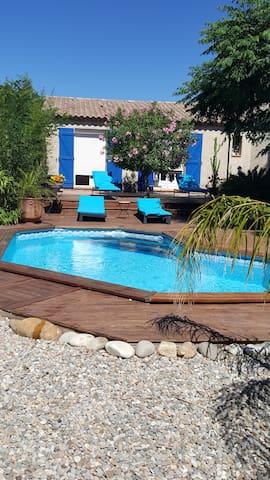 villa avec piscine - La Garde - House