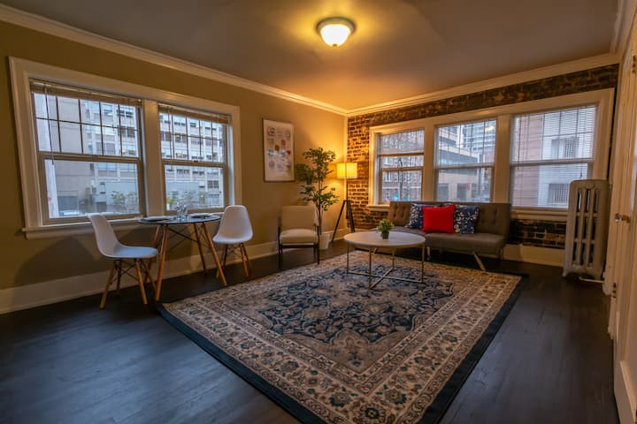 Authentic Brick Condo - Airbnb Fees Paid For!