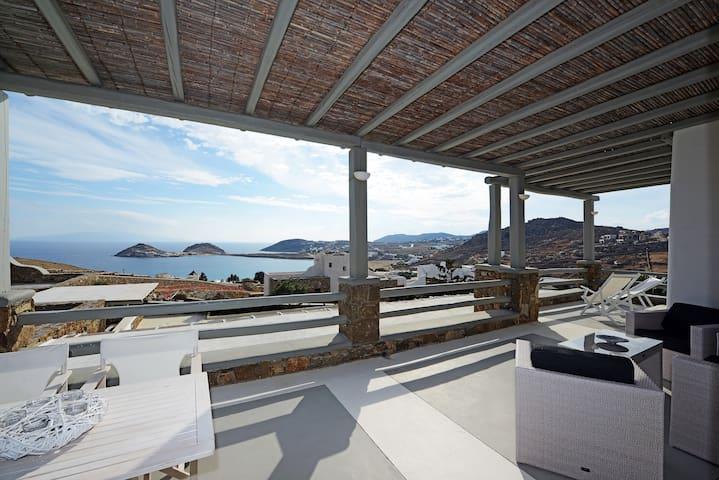 Luxury apartment Harmony, lounge area, sea view