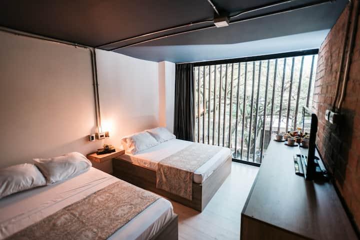 Private Apartment Lleras Park 304