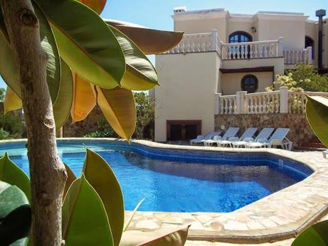 La Casa Palacial - Magnificent, Deluxe Villa