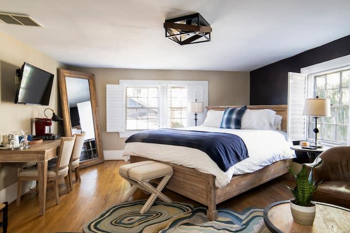 Room Six at Hellbender Bed & Beverage