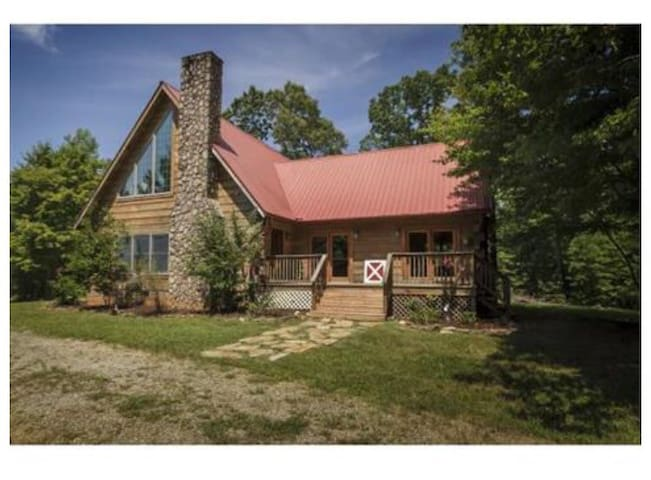 Beautiful log cabin hidden oasis - Mebane - Talo